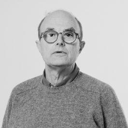 Martino Marangonisi è formato presso il Pratt Institute di New York,dal 1977 al 1993 è stato docente di fotografia dello Studio Arts Center International di Firenze. Nel 1991 ha istituito la Fondazione Studio Marangoni: Iniziative di Fotografia Contemporanea, di cui è presidente. Da quella data, Marangoni affianca la sua ricerca personale alla promozione della cultura fotografica a livello internazionale attraverso attività didattiche ed espositive e l'assegnazione di premi. Il suo lavoro è stato esposto sia in Italia che all'estero in numerose mostre personali e collettive.